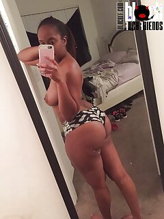 Ebony Selfies Pictures
